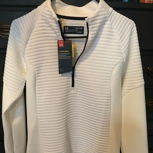 Never worn - 1/4 zip Under Armour Pullover